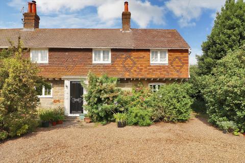 3 bedroom semi-detached house - Bayham Road, Tunbridge Wells, Kent, TN2