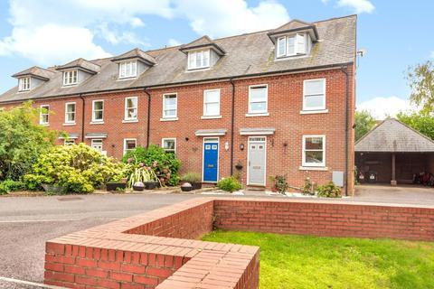 3 bedroom semi-detached house for sale - The Sadlers, Westhampnett, PO18