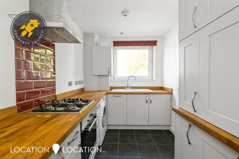 3 bedroom flat for sale - Evering Road, N16
