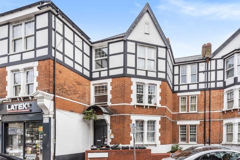 2 bedroom flat - Wordsworth Parade,  Harringay,  N8
