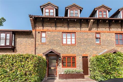 4 bedroom terraced house to rent - Pottery Court, Wrecclesham, Farnham, Surrey, GU10