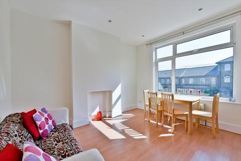 2 bedroom flat to rent - George Lane, Hither Green, SE136RY