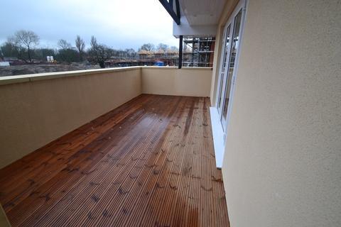 2 bedroom flat to rent - Foxherne, Langley, SL3