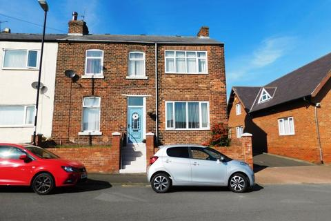 3 bedroom terraced house for sale - THE KINGS ROAD, SOUTHWICK, SUNDERLAND NORTH