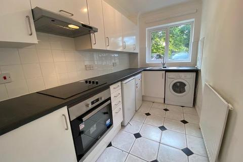 2 bedroom flat to rent - Trevera Court, Enfield, EN3
