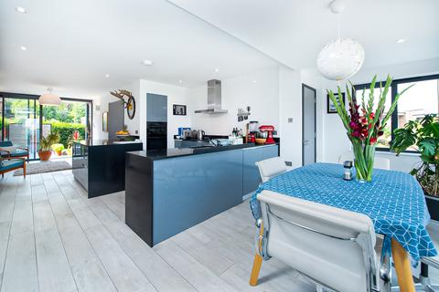 5 bedroom semi-detached house for sale - Coolhurst Road, London