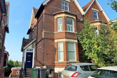 Studio to rent - College Road, Maidstone
