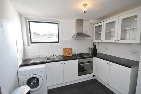 2 bedroom apartment to rent - Market Parade, London, SE25