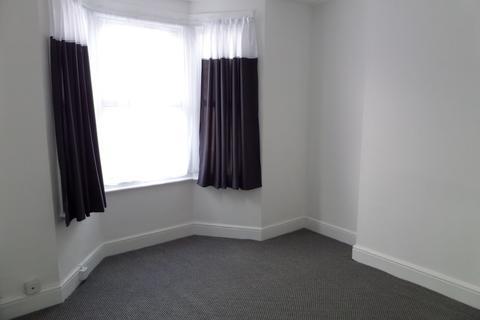 1 bedroom flat to rent - Hatton Road, Bedfont, Feltham