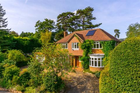 5 bedroom detached house for sale - Colley Manor Drive, Reigate, Surrey, RH2