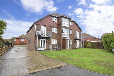 1 bedroom apartment - Golf Road, Deal, Kent