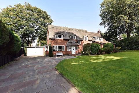 4 bedroom detached house for sale - Bradgate Road, Altrincham