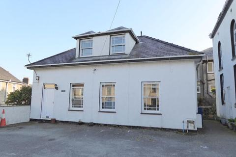 3 bedroom detached house for sale - Bangor