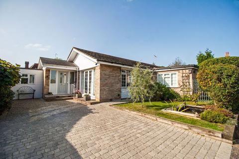 3 bedroom detached bungalow for sale - Henfield