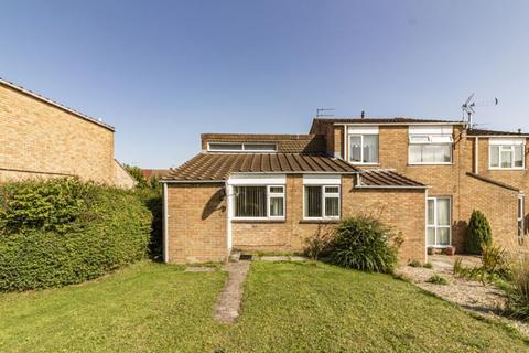 2 bedroom bungalow for sale - Ash Close, Chepstow - REF# 00011264