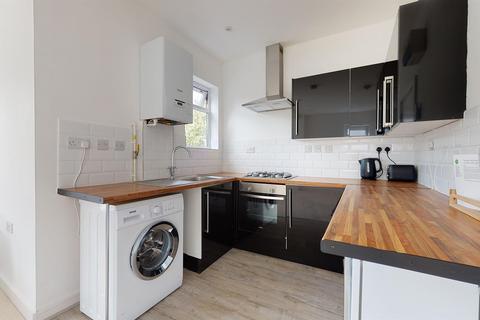 Studio to rent - Havelock Road, Croydon, London