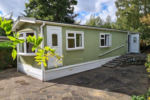 2 bedroom mobile home for sale - Mytchett Road, Camberley