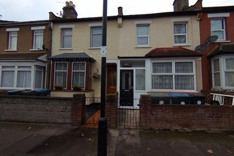 3 bedroom terraced house to rent - Poynter Road, Enfield