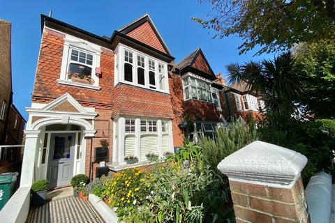 Studio to rent - Rutland Gardens Hove East Sussex