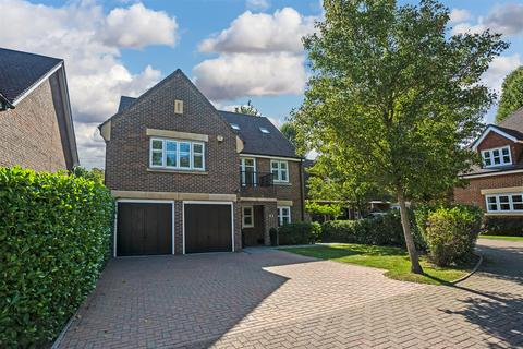 5 bedroom detached house for sale - Water Mead, Chipstead, Coulsdon