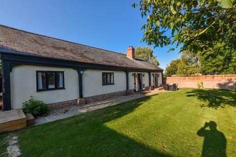 4 bedroom barn conversion for sale - The Cart Lodge, Grange Green, Tilty, DUNMOW