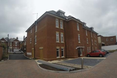 2 bedroom flat to rent - Available from October 2020- Cromwell Gardens, Bournemouth
