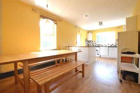 6 bedroom detached house to rent - Henry Road, GLOUCESTER, GL1