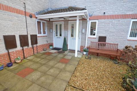 2 bedroom flat to rent - Somer Court, Midsomer Norton