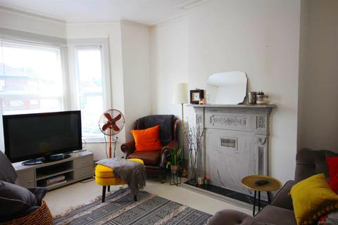 2 bedroom flat for sale - Burns Road, London NW10 4DY