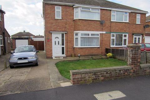 3 bedroom semi-detached house to rent - Stanground