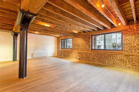 2 bedroom flat for sale - Port East Apartments, 16 Hertsmere Road, Canary Wharf, London, E14