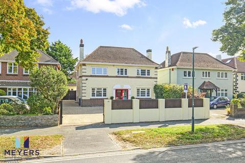 4 bedroom detached house for sale - Holdenhurst Avenue, Boscombe East, BH7