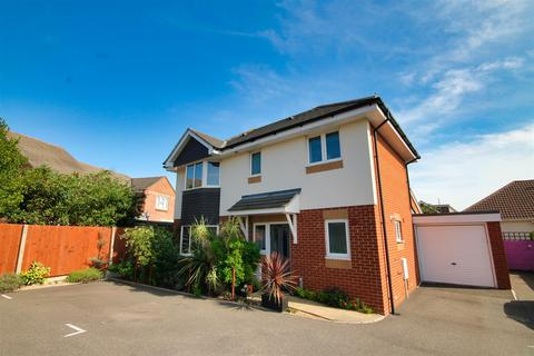 3 bedroom detached house for sale - Rosemary Road, Poole