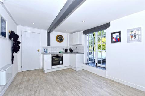 2 bedroom flat - West Street, Marlow, Buckinghamshire, SL7