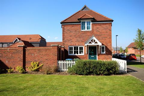 3 bedroom detached house for sale - Meadow Drive, Henfield