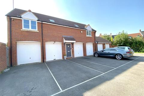 2 bedroom detached house for sale - Prospero Way, Haydon End, Swindon, SN25