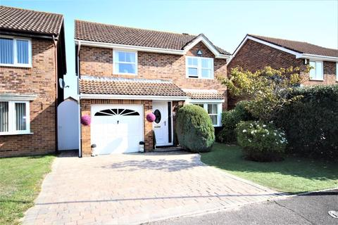 4 bedroom detached house for sale - Hazelton Close, Littledown, Bournemouth