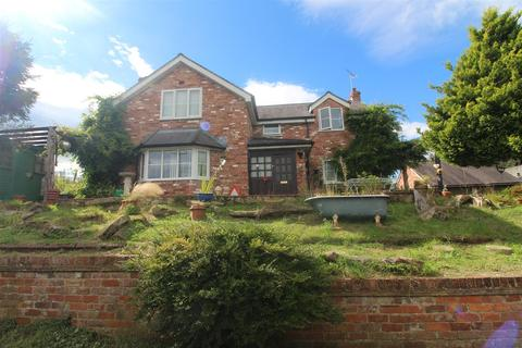 4 bedroom detached house for sale - Sandy Lane, Wrexham