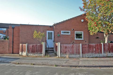 2 bedroom bungalow to rent - Honingham Close, Arnold, Nottingham