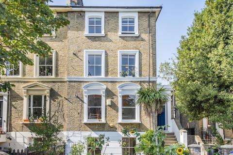 3 bedroom flat for sale - Manor Avenue, Brockley