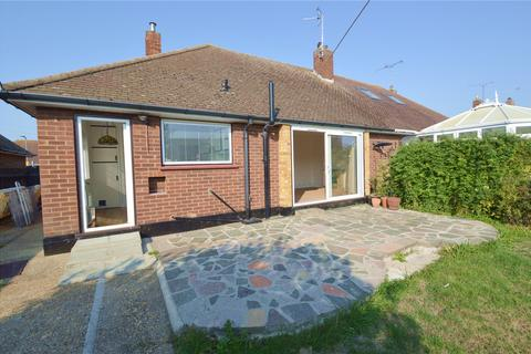 2 bedroom bungalow to rent - Waterford Road, Shoeburyness, Southend-on-Sea, SS3
