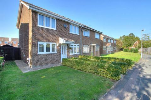 3 bedroom semi-detached house for sale - Morris Walk, Newport Pagnell