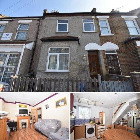 2 bedroom terraced house for sale - Kentmere Road London SE18