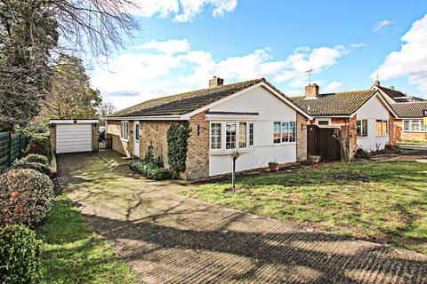 3 bedroom detached bungalow to rent - Rochfort Avenue, Newmarket CB8