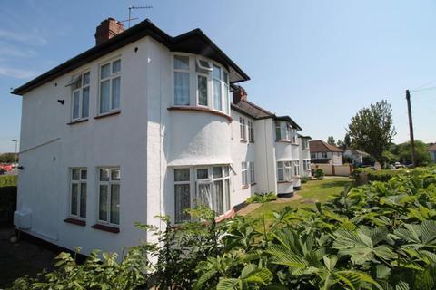 2 bedroom flat for sale - Lynton Avenue NW9
