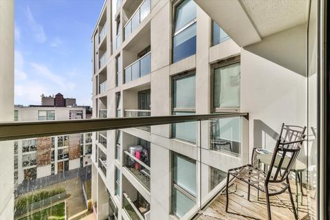 1 bedroom flat for sale - Lanterns Way, London, E14