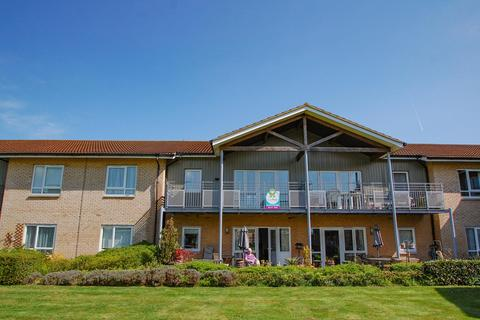 2 bedroom flat to rent - Redgrave Court, Denham Garden Village, Denham, UB9