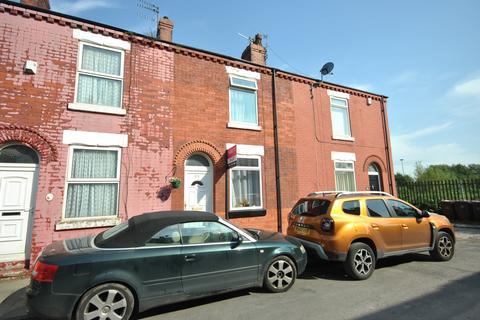 2 bedroom terraced house to rent - Garden Street, Eccles, Manchester M30