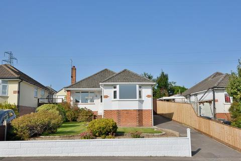 2 bedroom detached bungalow for sale - Shapland Avenue, Bournemouth, BH11 9PX