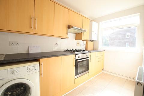 1 bedroom flat for sale - Woodpecker Mount, Forestdale, Croydon, Croydon CR0